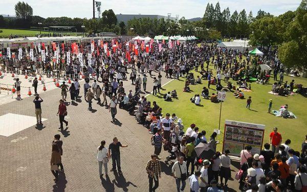 約5万杯のラーメンが食される人気イベント 「関西ラーメンダービー2017」 京都競馬場にて開催