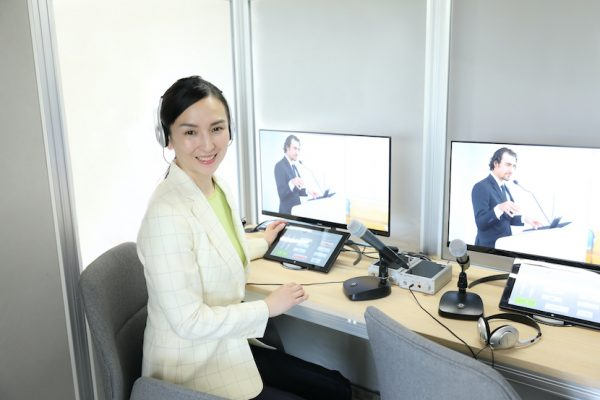 同通もリモートで、次世代型通訳システム 「Recot」と通訳センター「Rebase東京」